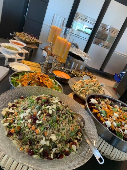איך אפשר ליהנות מארוחת שף כשרה באווירה נינוחה?